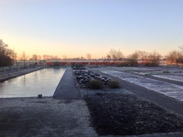 Foto van de kwekerij in de winter, wachtend op het voorjaar.